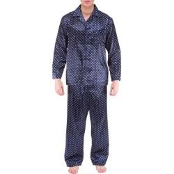 Blue raidallisessa pyjamassa